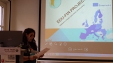 Anna Reyes, Àgora's participant and member of the EDU-FIN Assessor Pannel, presenting the main outputs of the project.